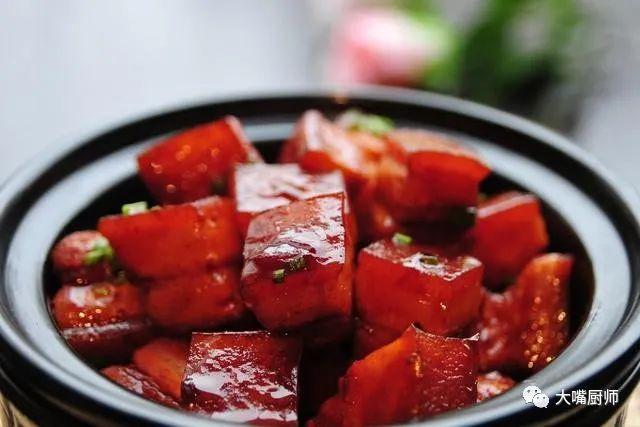 做红烧肉,炒糖色并非关键,做好这一步,红烧肉又香又嫩不油腻