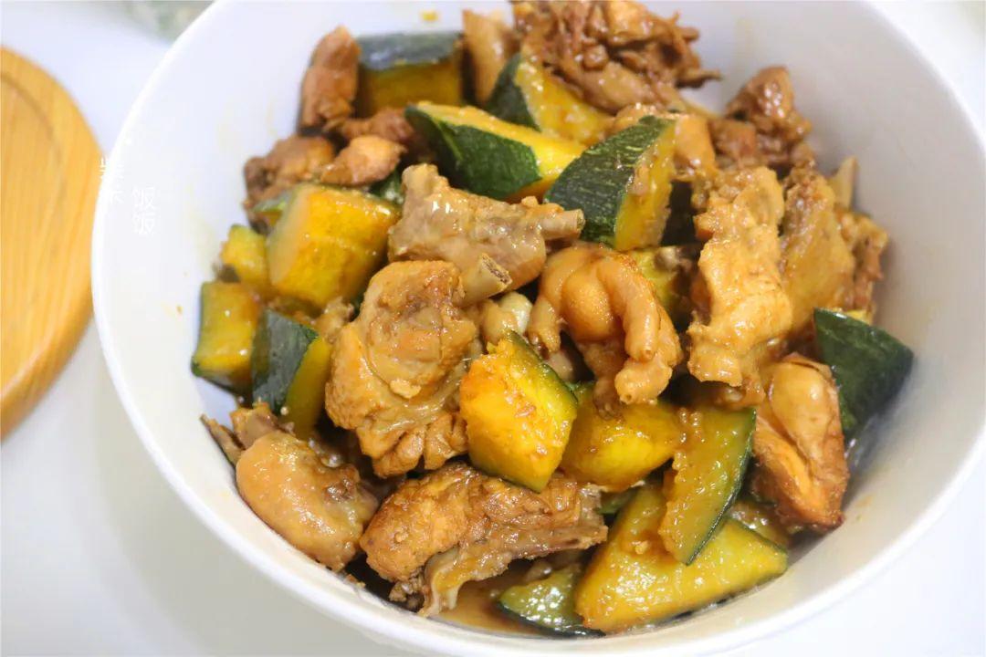 它是秋季时令菜,和鸡肉一起炖,营养又美味,可惜很多人没吃过