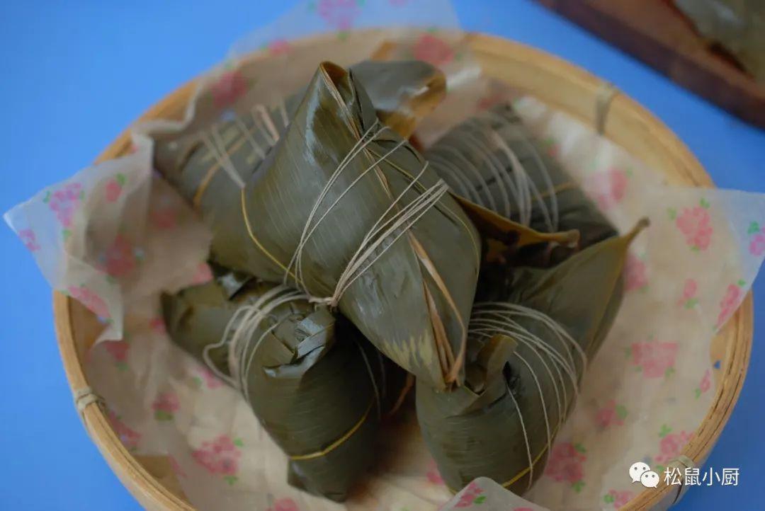 很简单的粽子包法,1片叶子包1个,不破皮不漏米,实用
